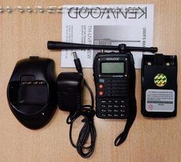 Портативная рация Kenwood TH-UVF5 двух-диапазонная 136-174/ 400-520МГц - фото 7